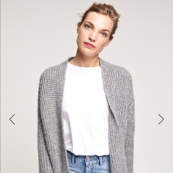 a5b52912cd5e Closed Sweaters